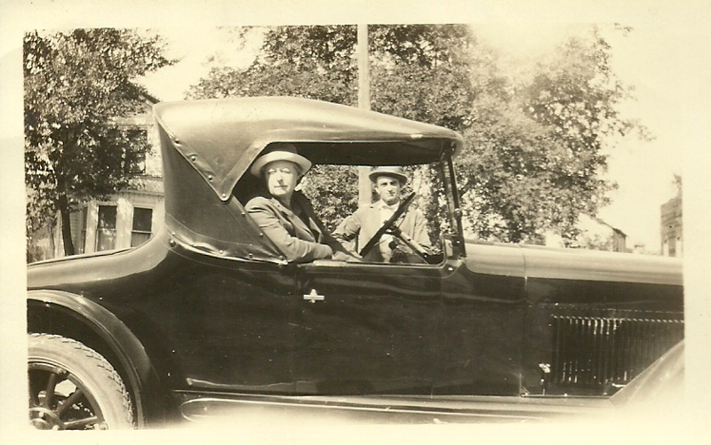 The Vivell's and their 1921-22 Buick Roadster in Carrollton